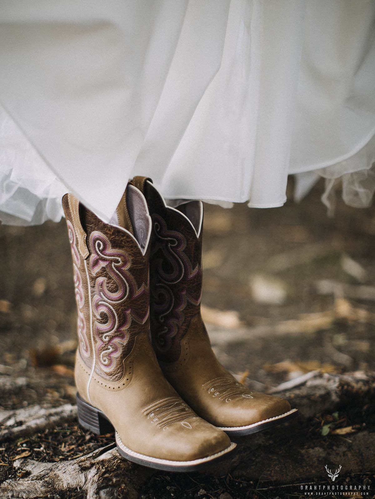 The Windy Mountaintop Wedding Sampler - Draht Photography